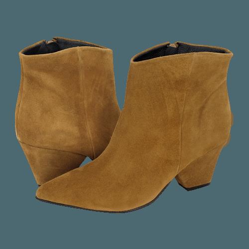 Gianna Kazakou Tagudin low boots