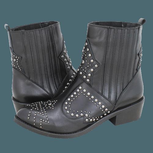 Gianna Kazakou Toay low boots