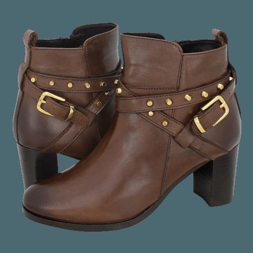 Gianna Kazakou Tami low boots