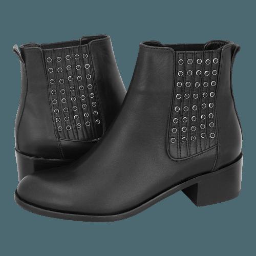 Gianna Kazakou Tinongan low boots
