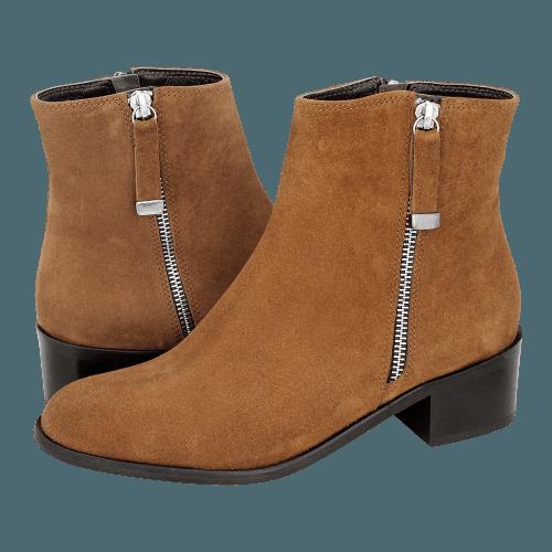 Gianna Kazakou Tummaville low boots